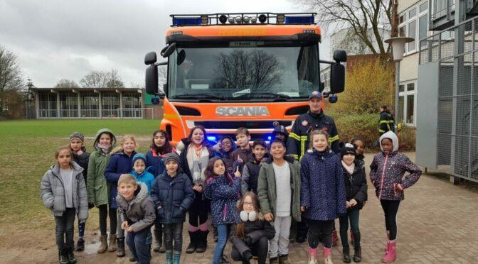 Die Feuerwehr bei uns an der Schule